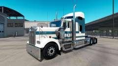 La piel de Carlyle en el camión Kenworth W900