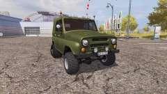 UAZ 469 medio de la pista
